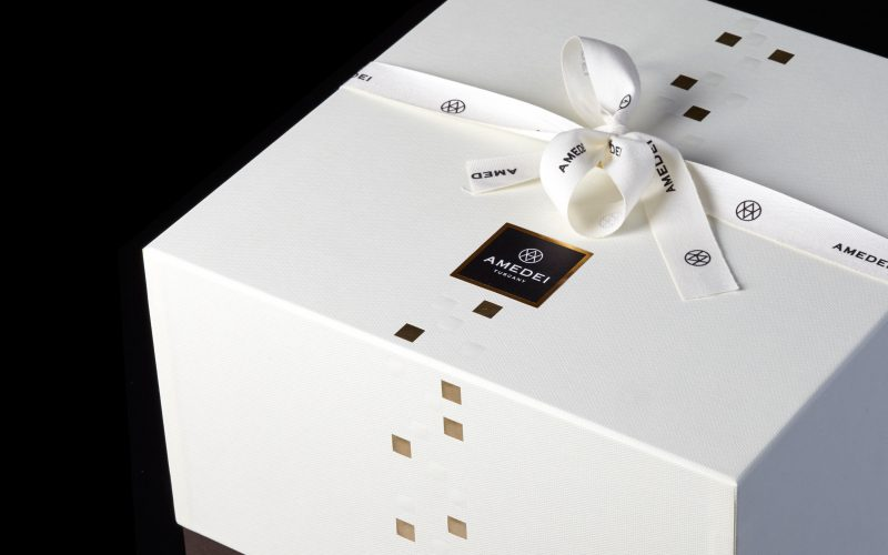 A refined packaging design signed by Hangar Design Group for Amedei, the best Italian chocolate brand.