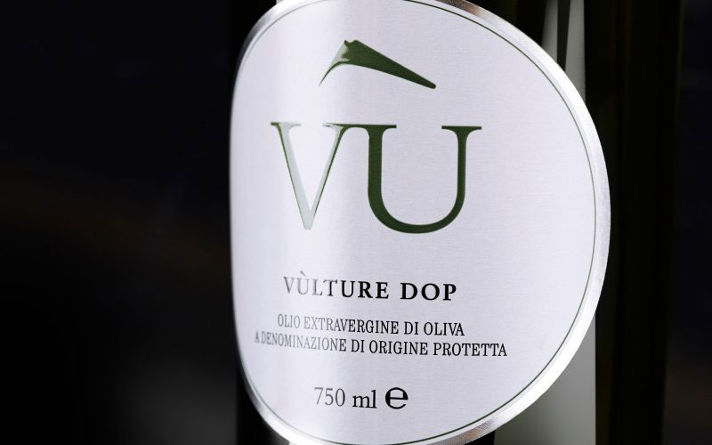 Olio Vù - Brand identity and product launch for a PDO food specialty.